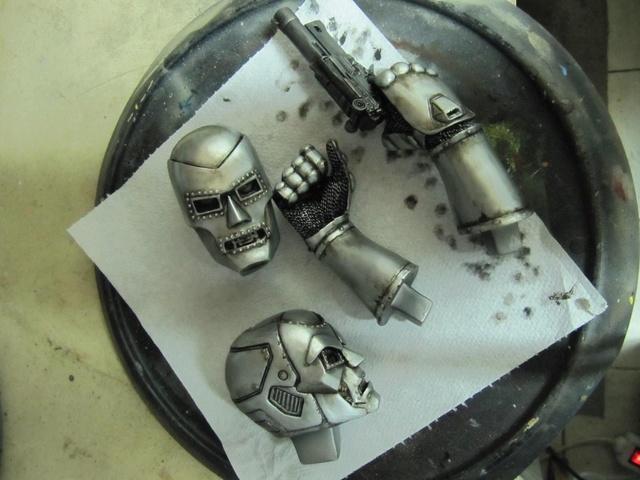 Dr Doom PF Sideshow repaint et custom. Img_0836