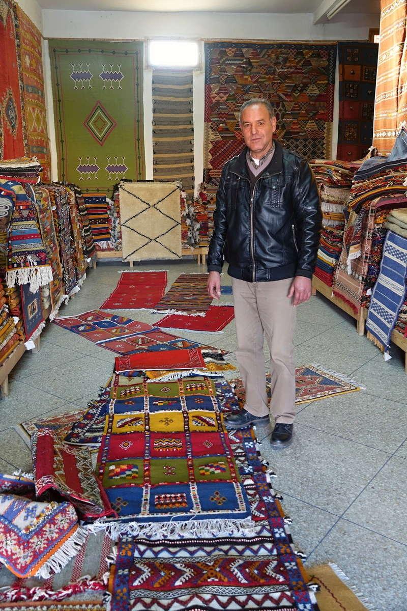 [Commerces/Maroc] Acheter un tapis Dsc00610