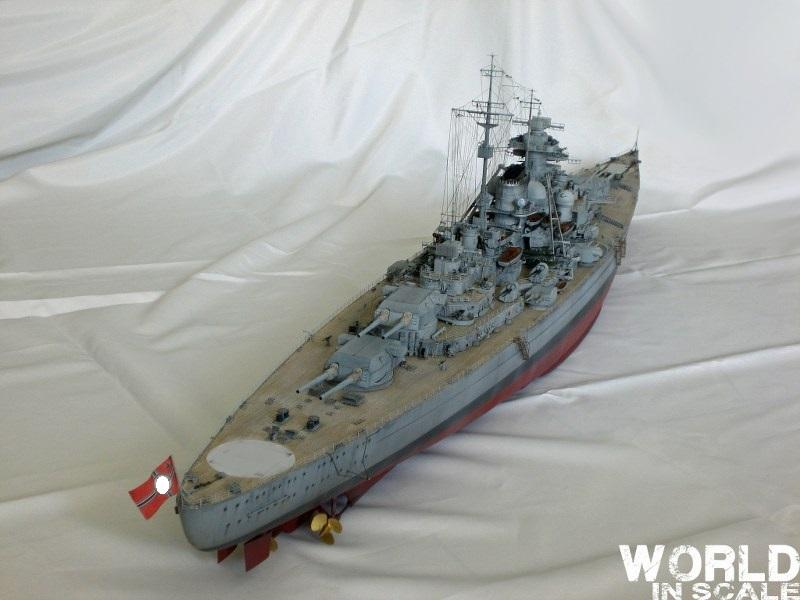 Schlachtschiff BISMARCK - 1/200 v. Trumpeter Cimg3610