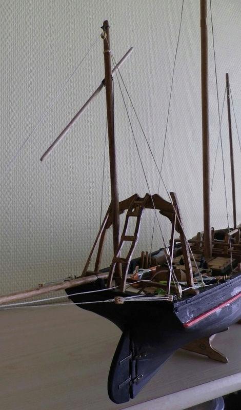 """Pas à pas d'une maquette terminée : le """"Marie-Adéaïde"""" - Harenguier. Kit Soclaine au 1/50ème Captu288"""