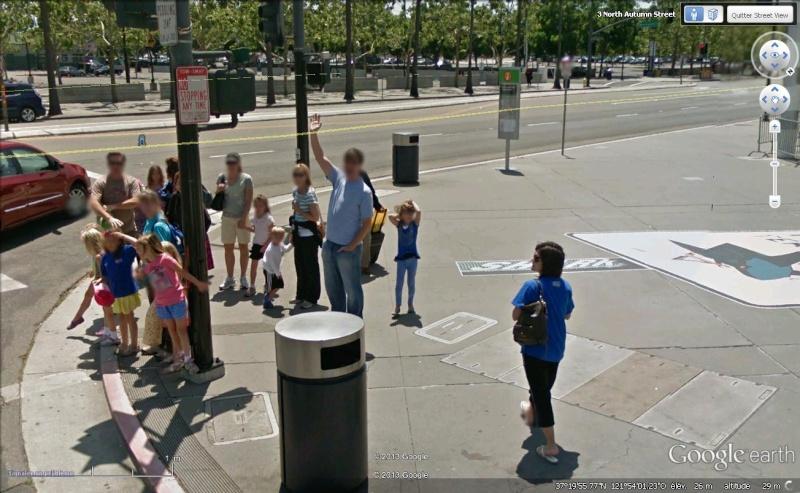 STREET VIEW : un coucou à la Google car  - Page 21 Descou11