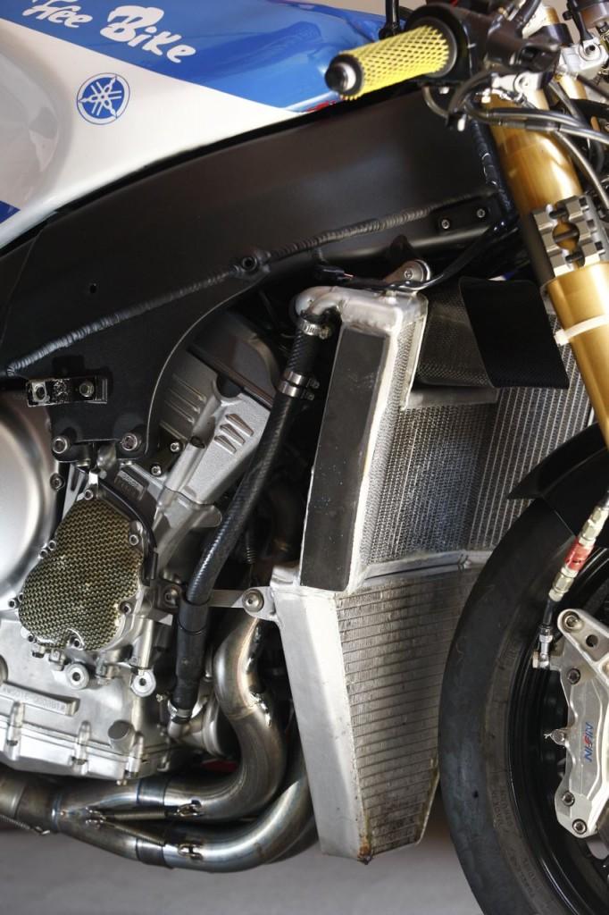 Yamaha R7 - Page 4 811