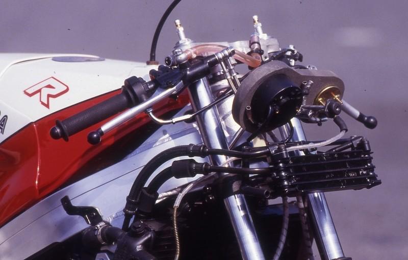 Suzuki GSXR 400  - Page 2 Img_1710