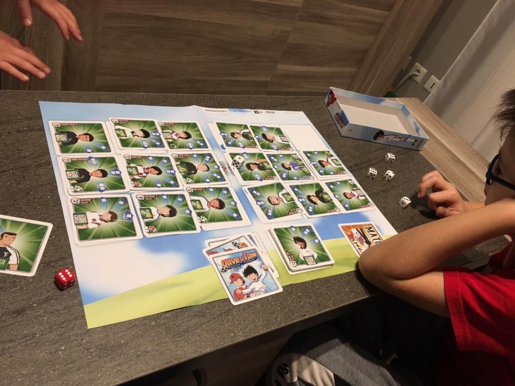 [Ludisme sur table]Jeux de plateaux, de cartes et autres joyeusetés ludique! - Page 20 Img_2910