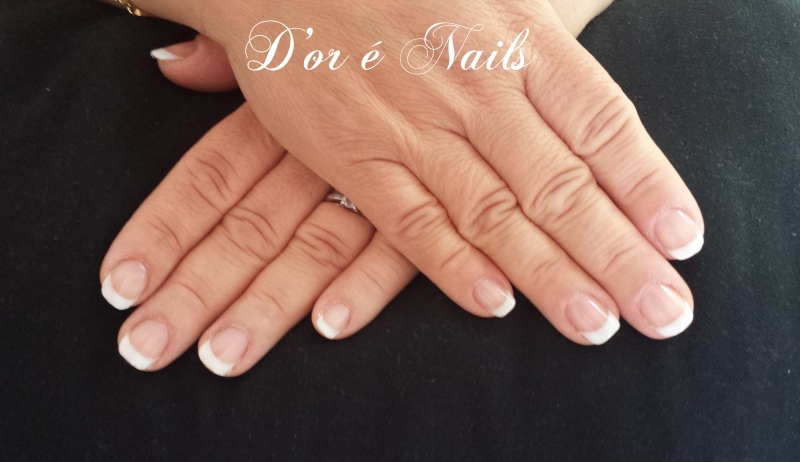 French Manucure aux ongles des mains  210