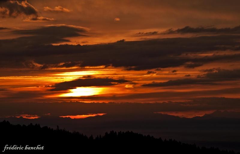 un lever de soleil sur le Pilat Ciel_n10