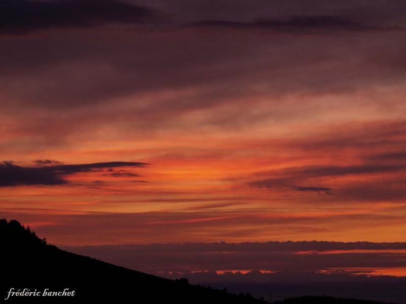 un lever de soleil sur le Pilat Ciel_o10