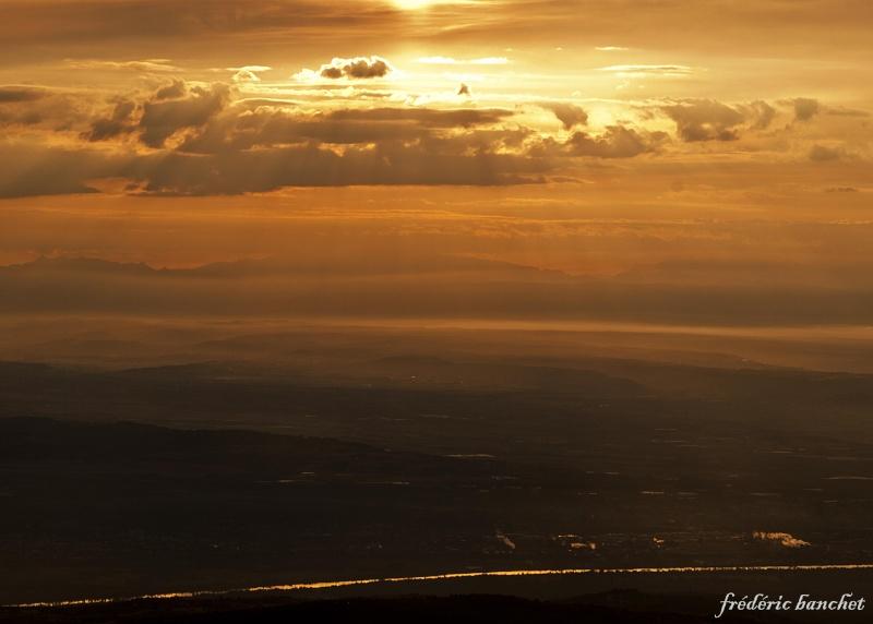 un lever de soleil sur le Pilat Le_rha10
