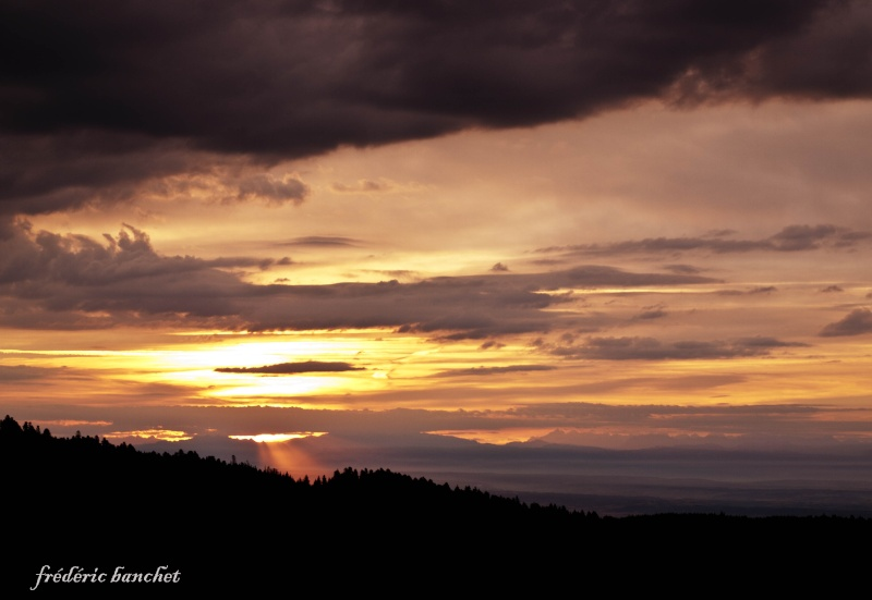 un lever de soleil sur le Pilat Rayon_10
