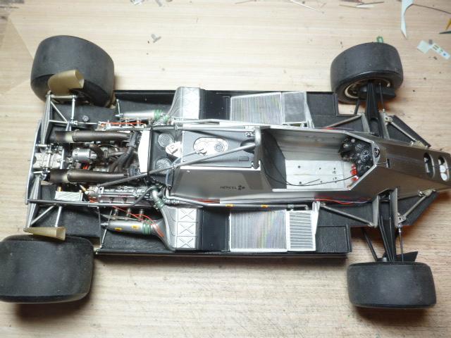Ferrari 126C2 Belgique 1/12 - Page 2 P1030223