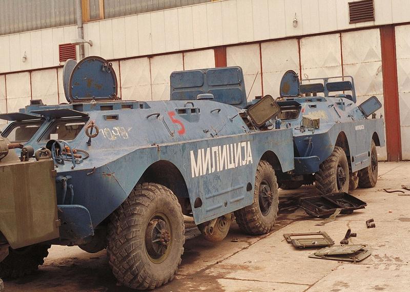 BRDM 2 serbe police militaire (Verlinden au 1/35eme) 67200710