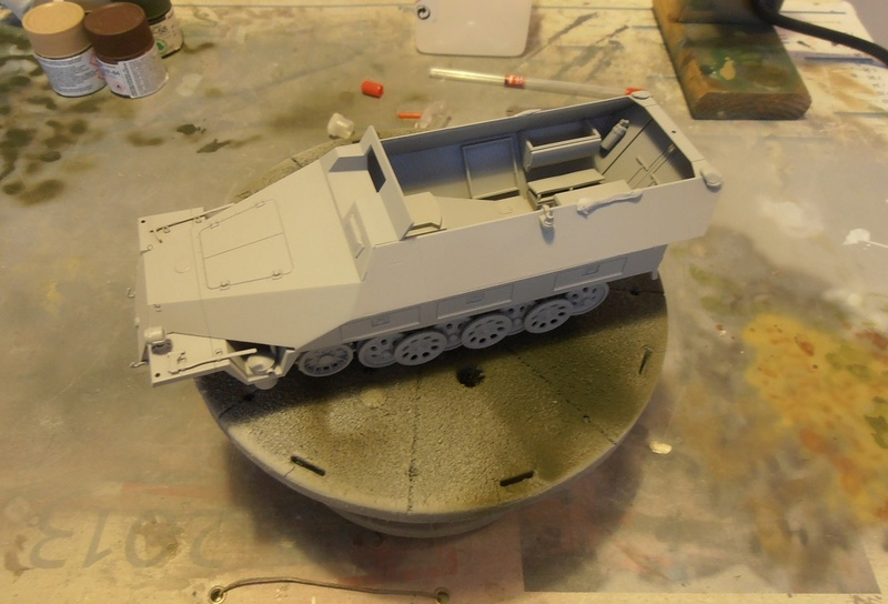 Sdkfz 251/9 ausf d ( 1/35eme ) Pb210212