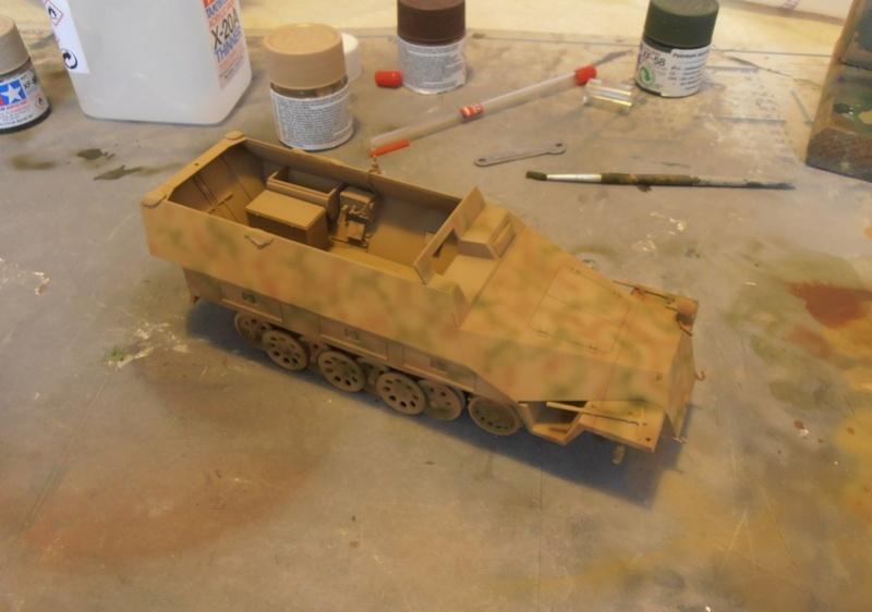 Sdkfz 251/9 ausf d ( 1/35eme ) Pb210213