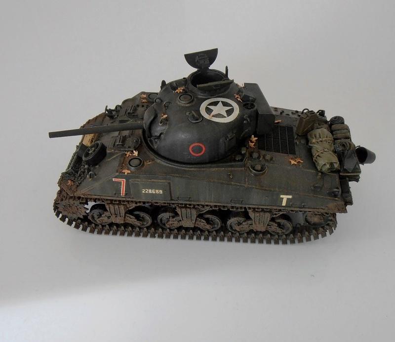 "Sherman Mk III mid prod "" Kiwi "" ( 1/35eme ) - Page 4 Pb240410"
