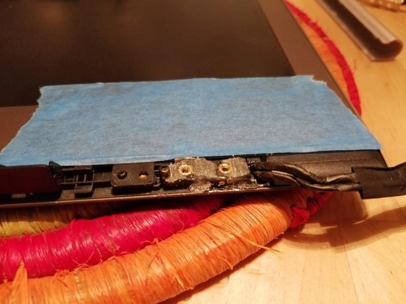 ASUS réparation charnière d'écran 88-img10