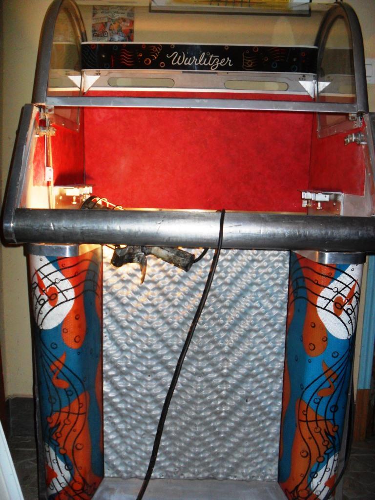 J'ai enfin mon jukebox ! - Page 2 1110