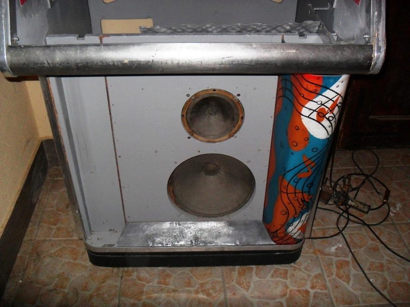 J'ai enfin mon jukebox ! - Page 3 1310