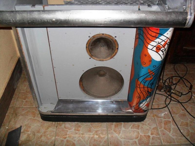 J'ai enfin mon jukebox ! - Page 3 1410