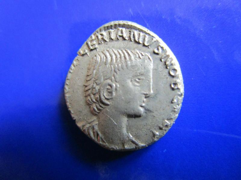 La fabrication des monnaies fourrées au 3e siècle S-l16011