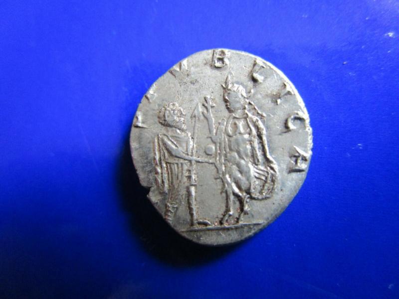 La fabrication des monnaies fourrées au 3e siècle S-l16012