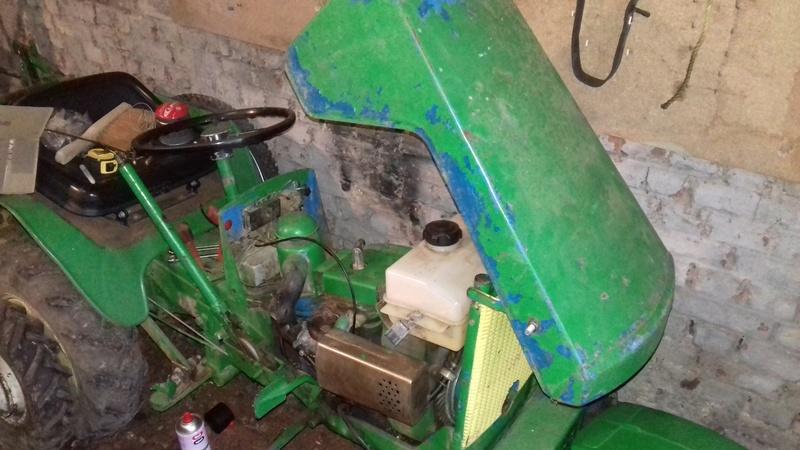 un micro tracteur motostandard 1030 qui a besoin de soins 20161115