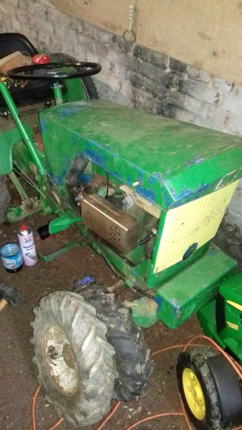 un micro tracteur motostandard 1030 qui a besoin de soins 20161117