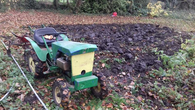 un micro tracteur motostandard 1030 qui a besoin de soins 20161118