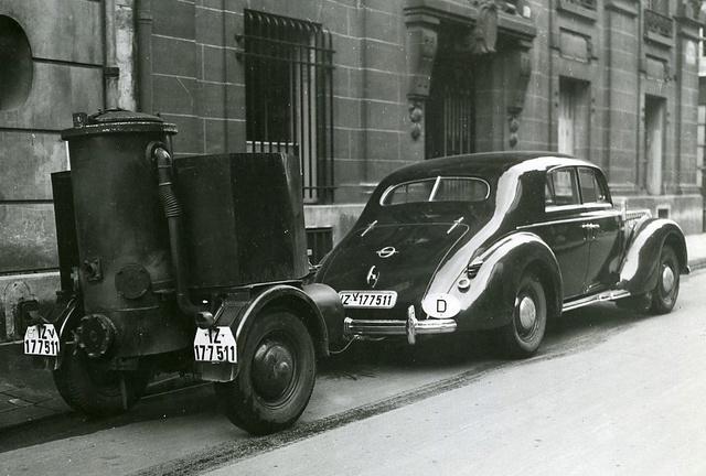 Le GAZOGENE et la voiture des français de 39 à 45 592_0010