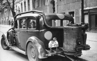 Le GAZOGENE et la voiture des français de 39 à 45 Gaz_9210