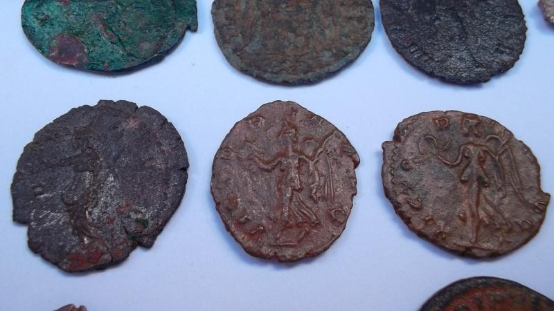 [VENDU] Lot de 25 monnaies romaines  Sam_0634