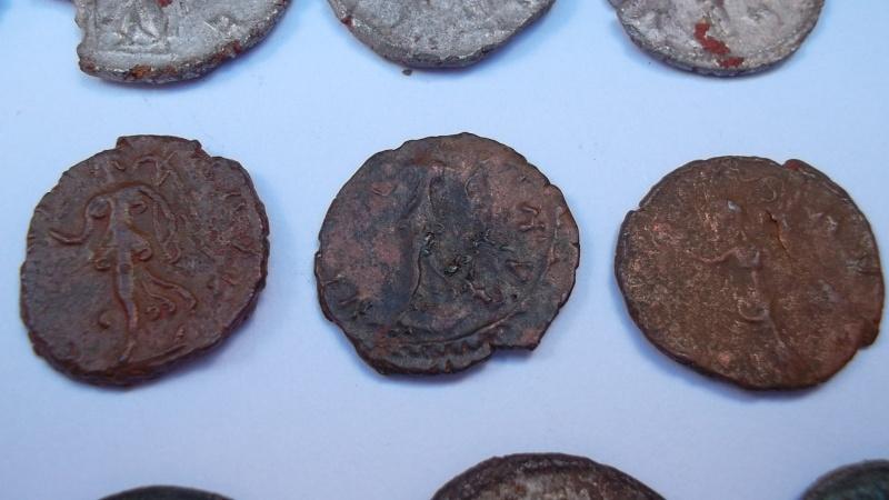 [VENDU] Lot de 25 monnaies romaines  Sam_0635