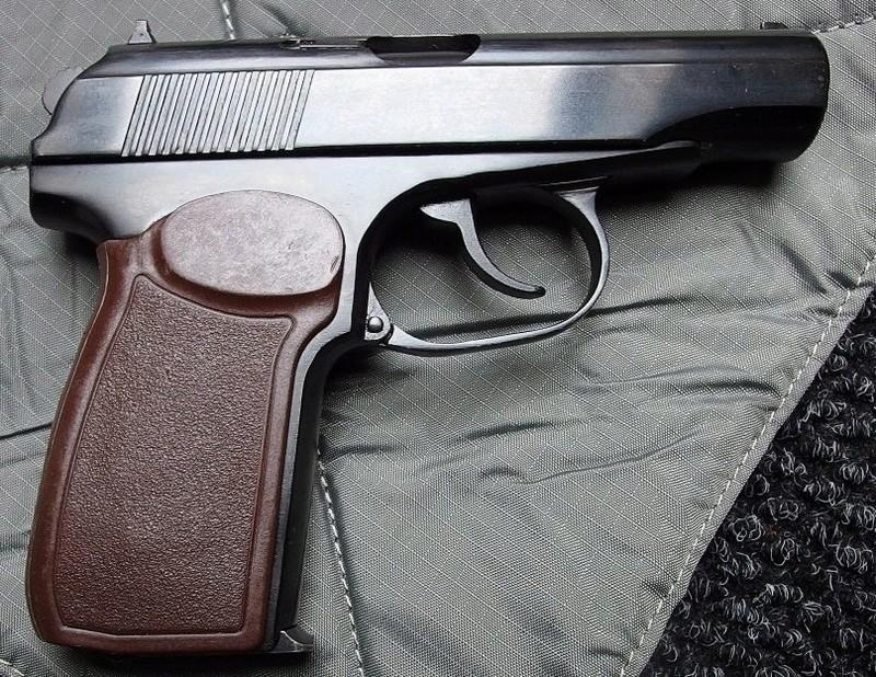 Makarov / Пистолет Макарова P1220013