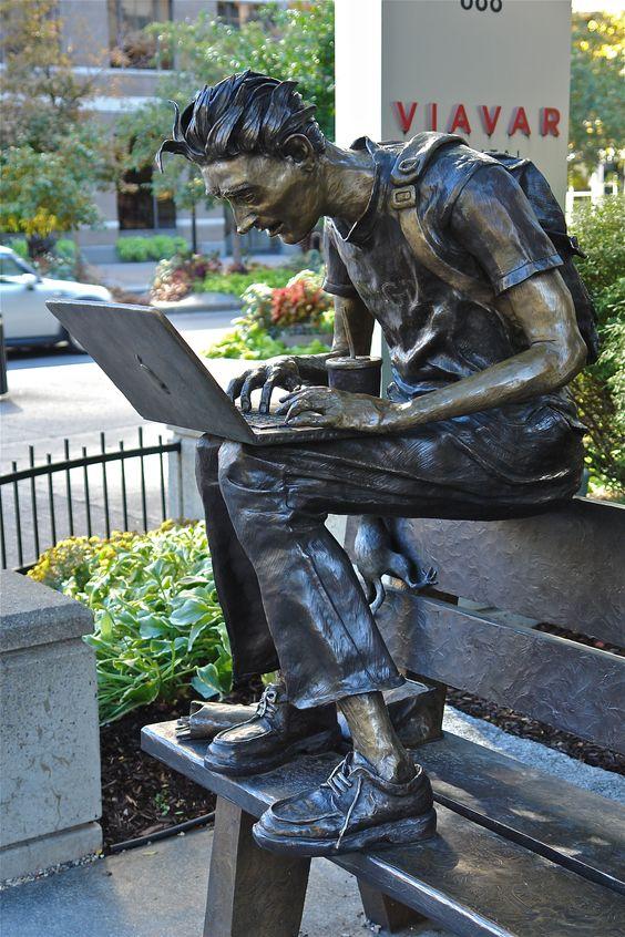 Des statues amusantes ! - Page 11 22c90a10