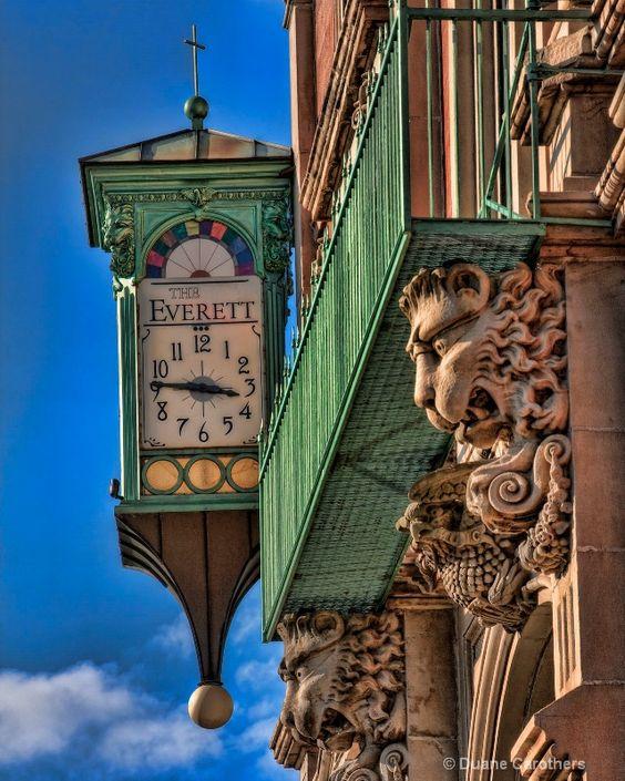 Reçu un beau diapo....Les horloges et pendules des rues..... - Page 41 5fa73d10