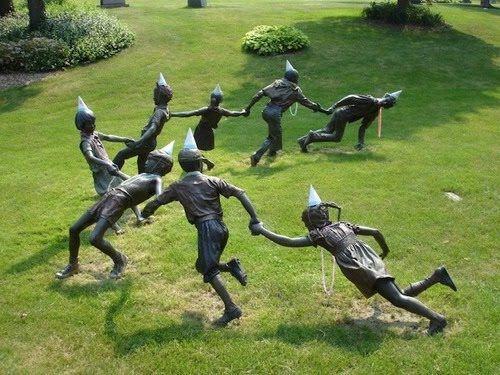 Des statues amusantes ! - Page 10 64153010