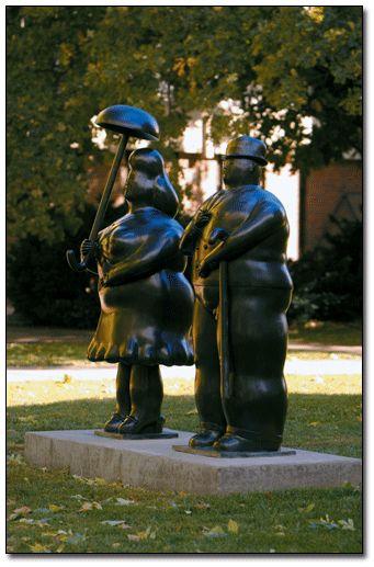 Des statues amusantes ! - Page 9 8189b410