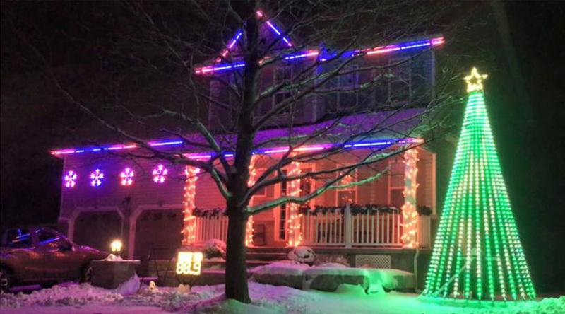 Les illuminations de Noël pour les fêtes 2.015   2.016 ! - Page 13 Bell-s10