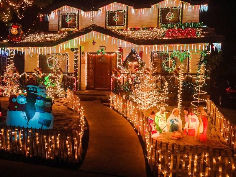 Les illuminations de Noël pour les fêtes 2.015   2.016 ! - Page 13 Christ36