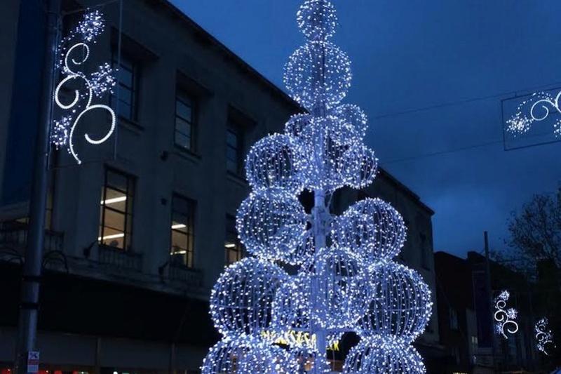 Les illuminations de Noël pour les fêtes 2.015   2.016 ! - Page 13 Christ40