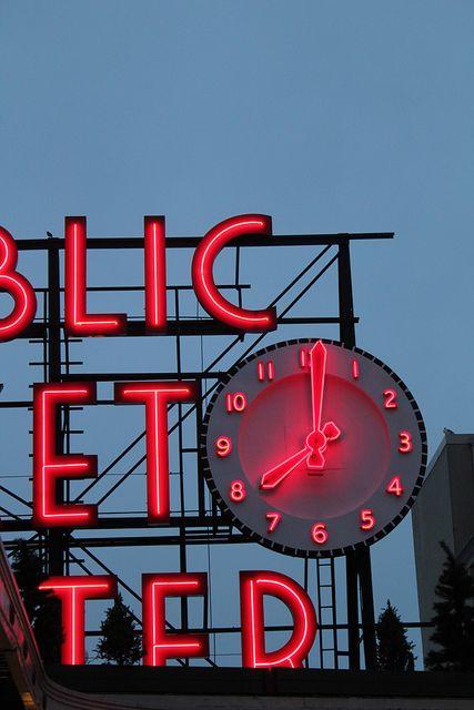Reçu un beau diapo....Les horloges et pendules des rues..... - Page 41 E4519010