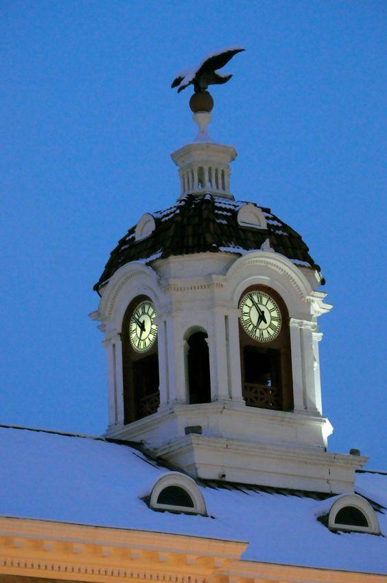 Reçu un beau diapo....Les horloges et pendules des rues..... - Page 43 E8352510