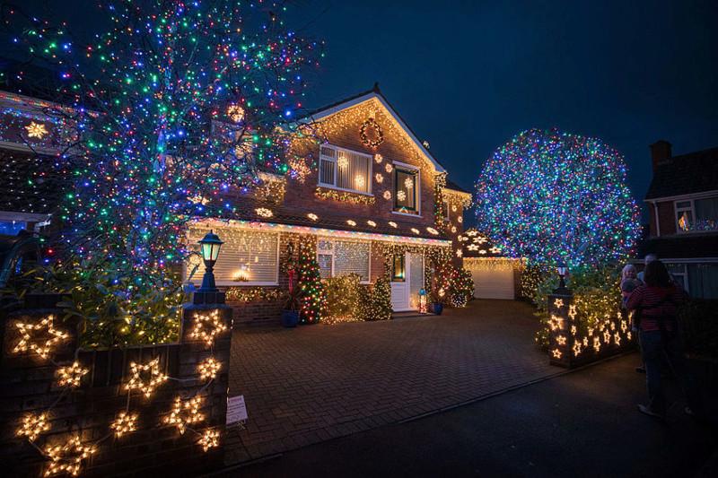 Les illuminations de Noël pour les fêtes 2.015   2.016 ! - Page 12 Galler10