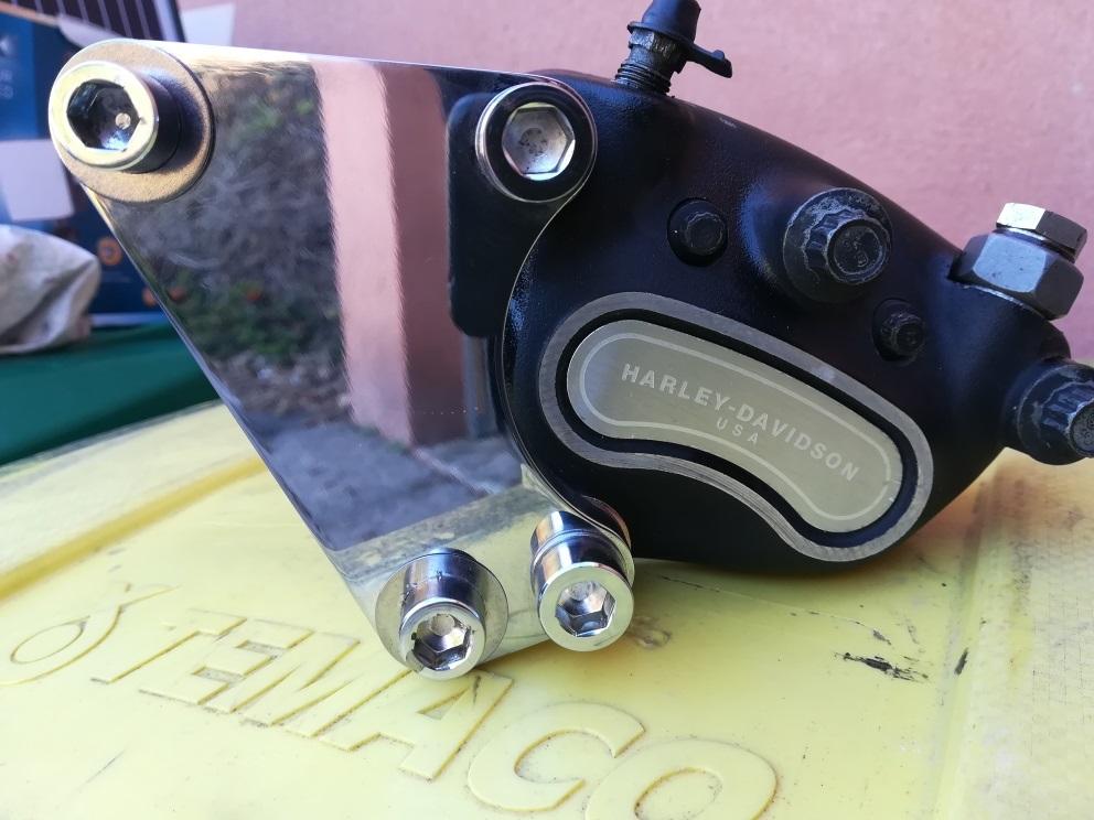 adaptateur etrier de freins( VENDU) Etrier13