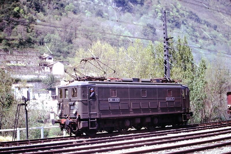 Pk 082,2 : Gare de Foix (09) - Page 11 Bb-30010
