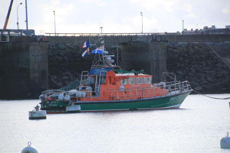 SNSM (Société nationale de sauvetage en mer) - Page 9 Snsm10