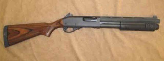 Remington à pompe custom de type S.B.S. (Short, Barrel, Shotgun) Point_10