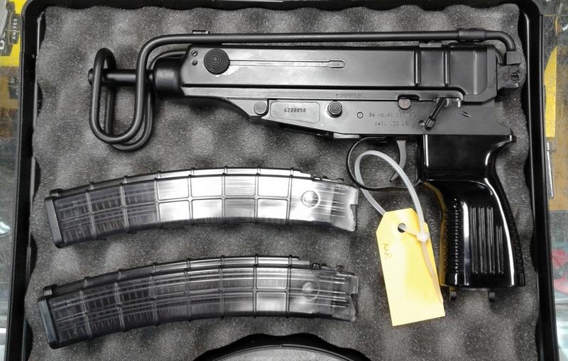 Pistolet Sa VZ 61 en calibre .22lr Vz-2210