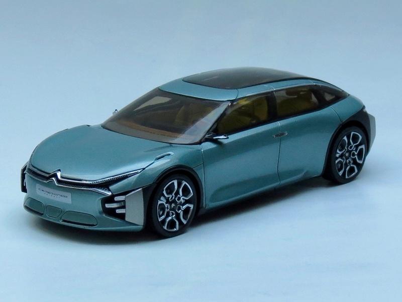 2016 - Citroën CXPERIENCE CONCEPT : L'EXPERIENCE HORS NORME DU CONFORT ET DU DESIGN CITROËN ! 2016_p10