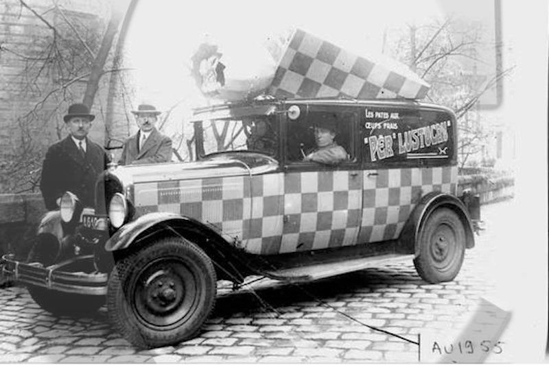 2015 > NOUVEAU > Hachette Collections + AUTO PLUS > La fabuleuse histoire des véhicules publicitaires - Page 6 Captur16