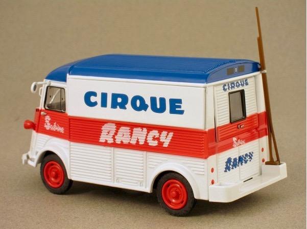 Citroën Les utilitaires miniatures au Cirque Captur24